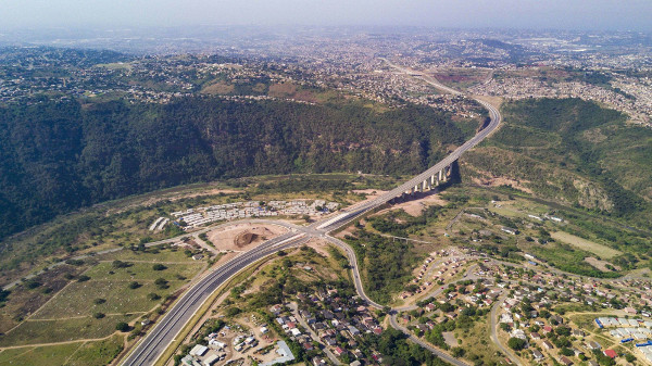 06.-GODurban.--A-Northern-view-from-the-lower-end-of-the-project-back-across-the-uMngeni-Viaduct-along
