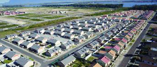 remise spéciale de choisir le dernier fournisseur officiel Minister Madikizela launches Belle Vue affordable housing ...