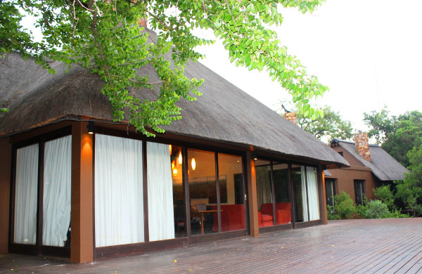Lydenburg-thatched-house-for-sale-R3m
