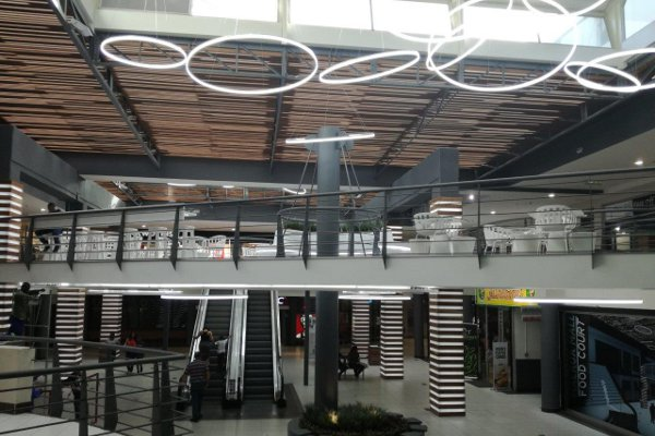 Maerua_Mall_Inside