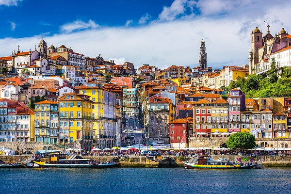 Porto_view_across_Douro_River