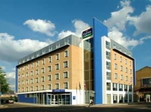 Express Holiday Inn Earls Court
