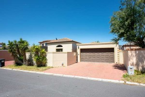 Parklands_3_bed_sale_R1.999m_Eazi_Real_Estate