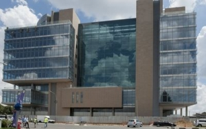 Standard Bank employees to move into R2bn 'green building' in May 2013